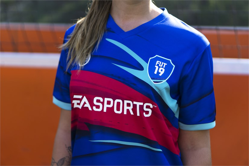 FIFA 19 - Trikot Ultimate Team (Größe Junior)